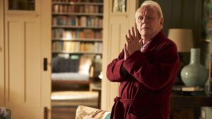 Anthony Hopkins in una scena di The Father