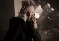 "David Bowie nel videoclip ""Blackstar"""